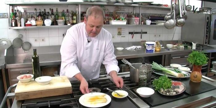 Cómo cocer los esparragos. Con el cocinero Iker Uranga